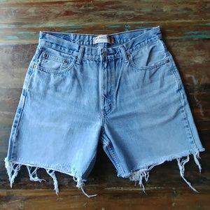 Vintage Levis cut off shorts measured size 33/34